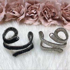 2 Bracelets Wire Beaded Black & White Like New